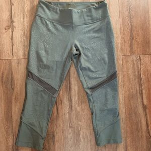 Army green cropped leggings